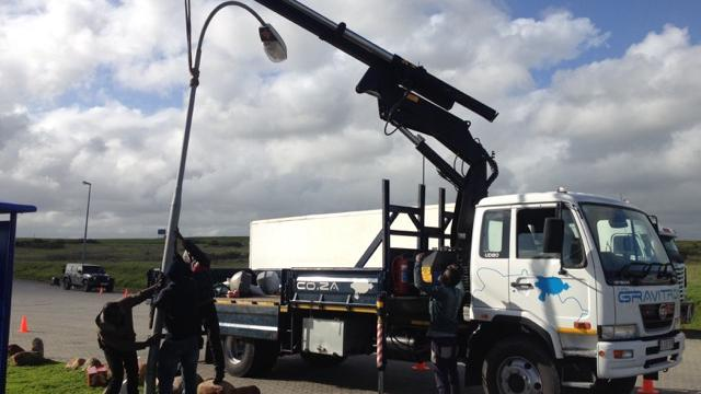 8 ton flatbed truck, with crane
